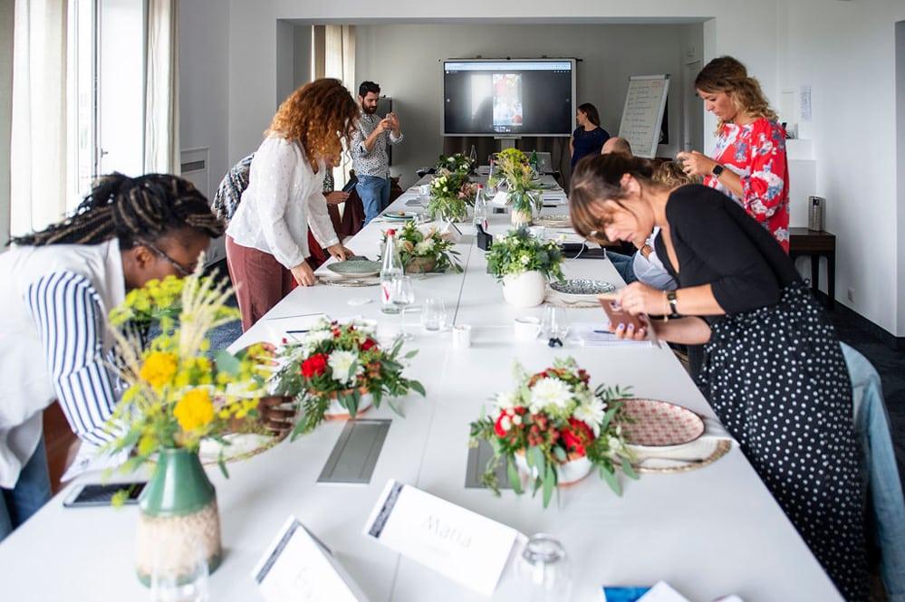 Atelier individuel de photographie de community management lors du workshop réseaux sociaux organisé par Pastel Créatif et l'Agence Iltze