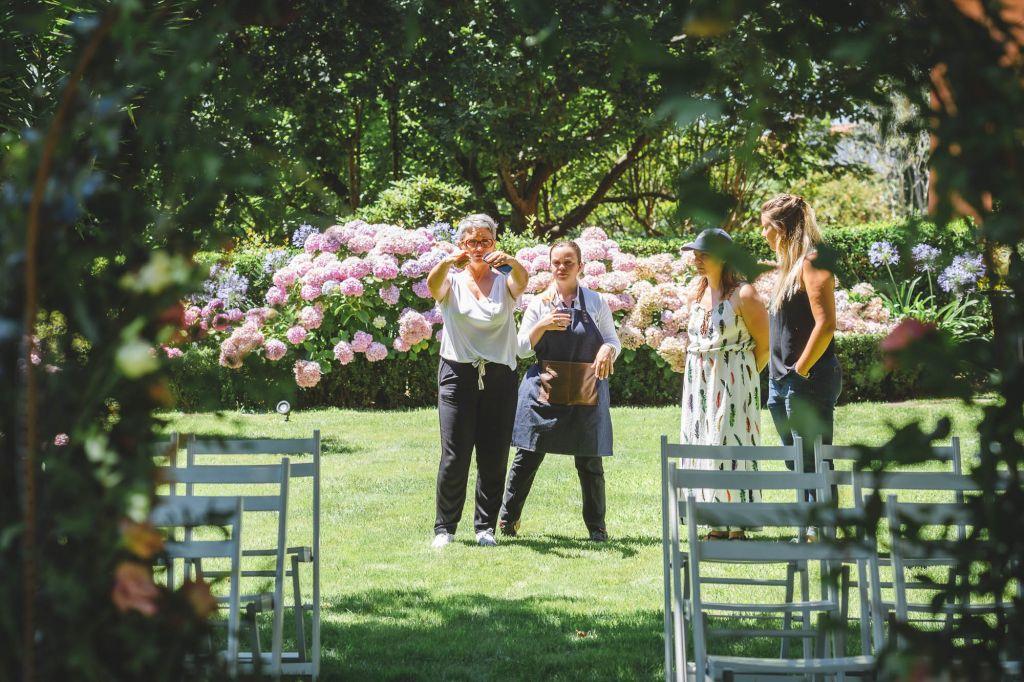 équipe installation décoration de mariage en formation wedding designer